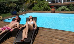 Le confort de la piscine à fond mobile