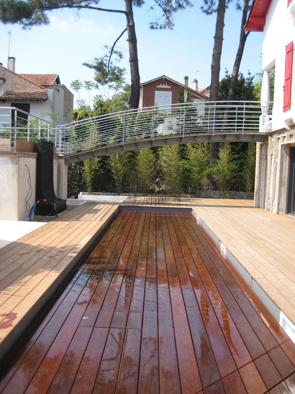 couloir nage top with couloir nage amazing piscine enterre en bois couloir de nage sur mesure. Black Bedroom Furniture Sets. Home Design Ideas