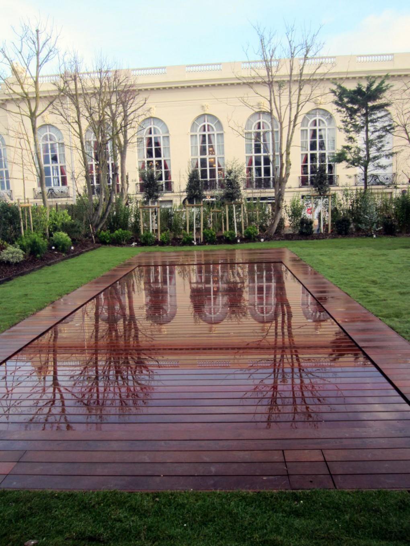 Une piscine qui pense aux handicapés (PMR)