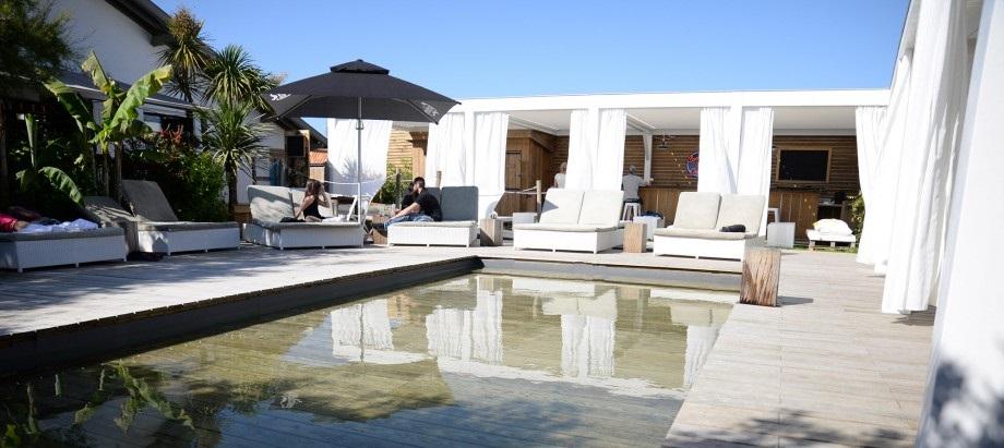 Dans la piscine à Saint Tropez