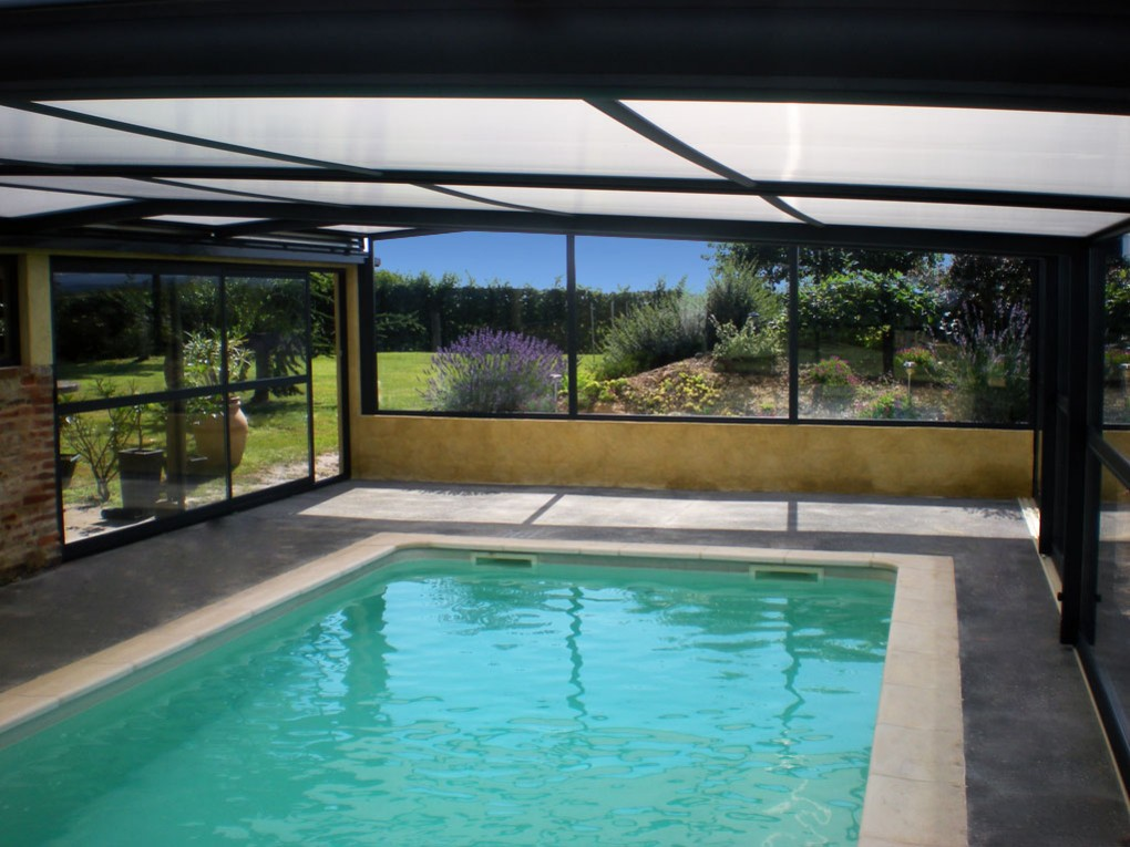 Un abris pour la piscine